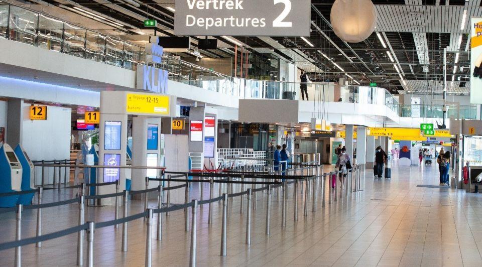 Schiphol vakantie toerisme corona