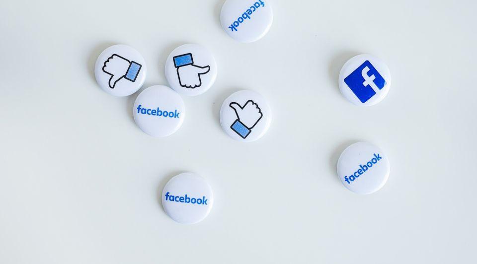 Social media super social