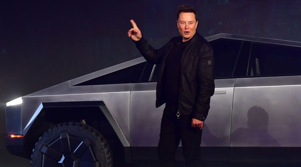 Tesla co founder and ceo elon musk gestures while news photo 1609808321