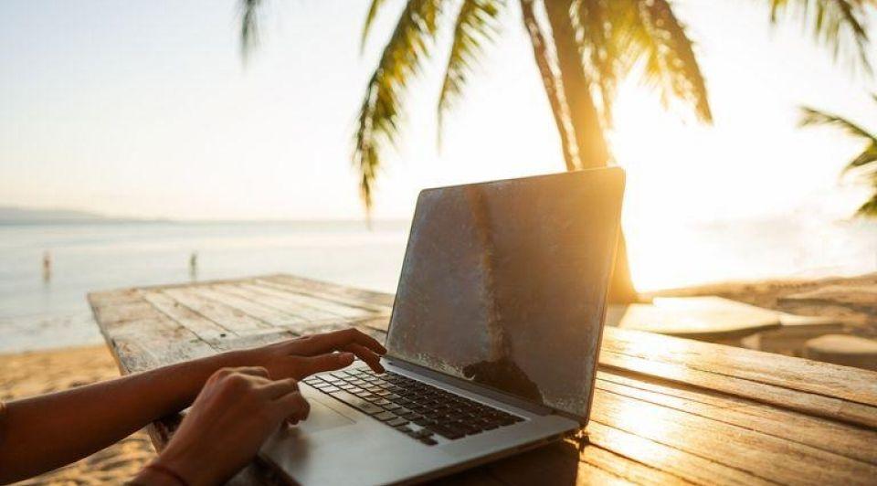 Werken aan het strand barbados