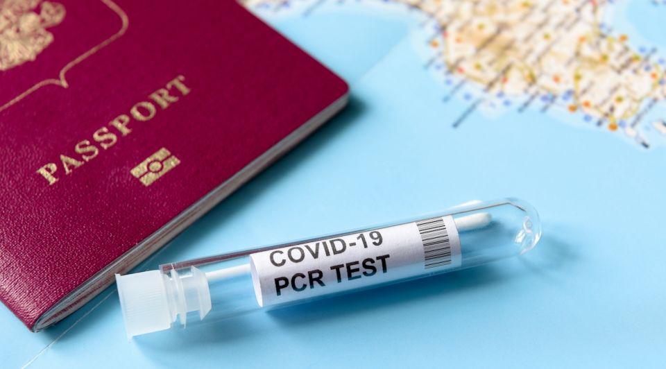 Vakantie reizen testen corona covid kleurcode oranje geel pcr test maatregelen maandag 26 juli toerisme