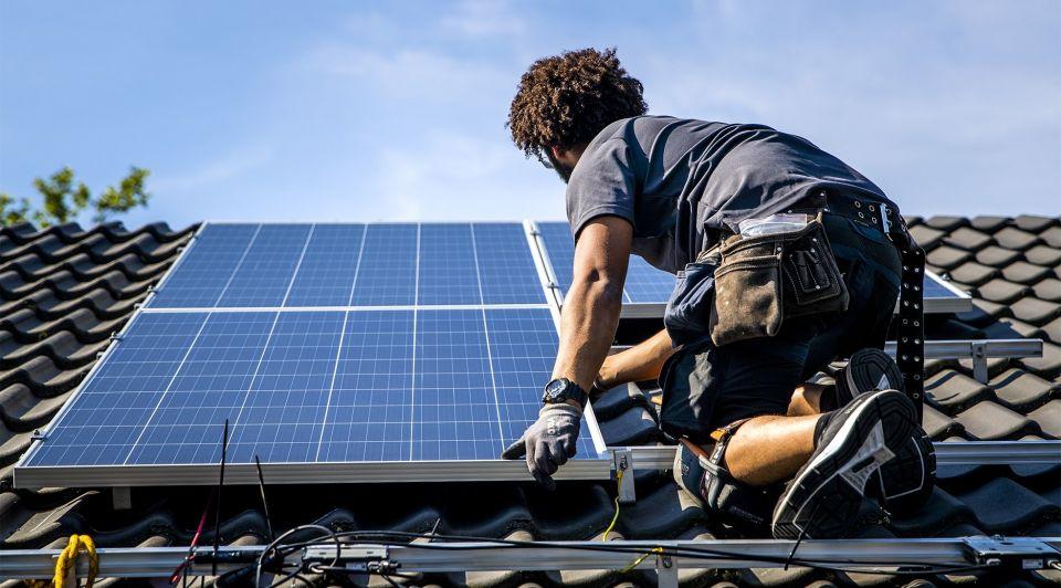 Verduurzaming zonnepanelen bedrijf kantoor