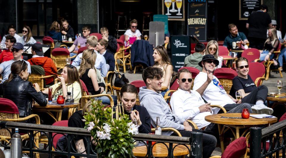 Versoepelingen 26 juni horeca winkels terrassen kabinet persconferentie rutte vrijdag 18 juni