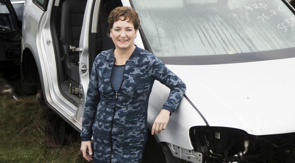 Autobedrijf Broekhuis Sylvia Kemna Broekhuis Liggend