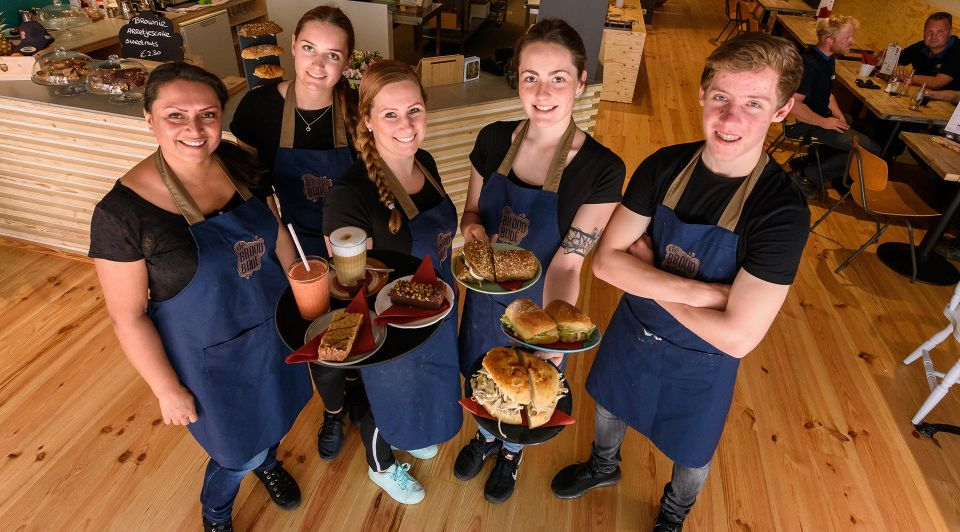 Broodbode Almelo broodjeszaak Manon Daalmeyer en team