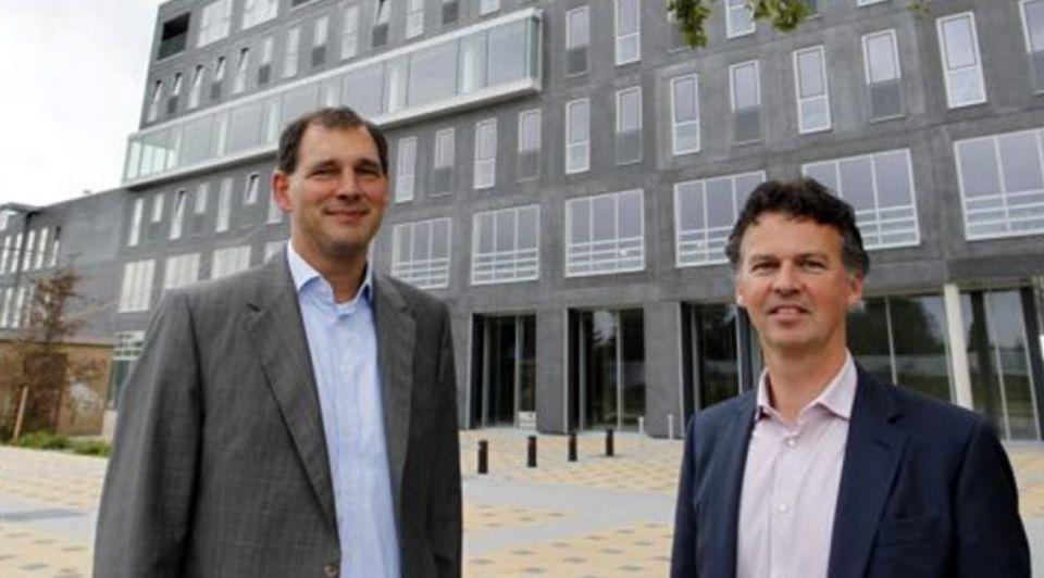 Directeuren Chris Lindeboom rechts en Patrick Bruins voor Hotel Lumen foto Tom van Dijke