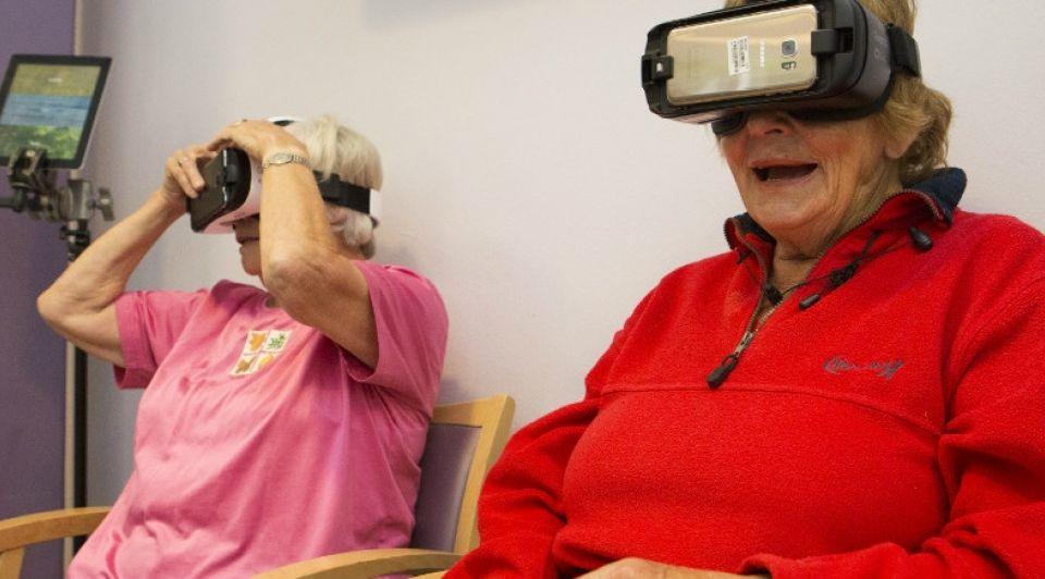 Hackathon Den Haag ict ouderen virtualrealitybril