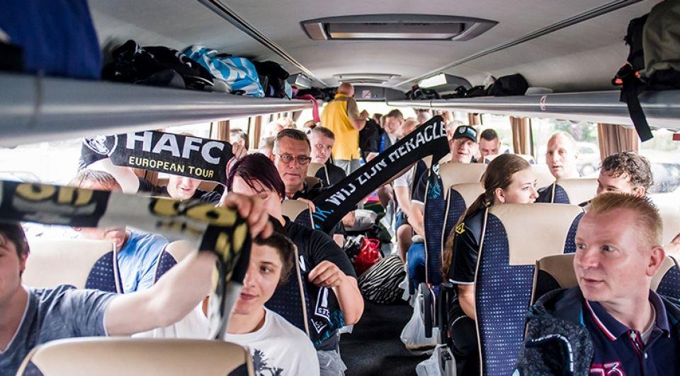 Heracles Supporters op weg naar Portugal Arouca Lars Smook