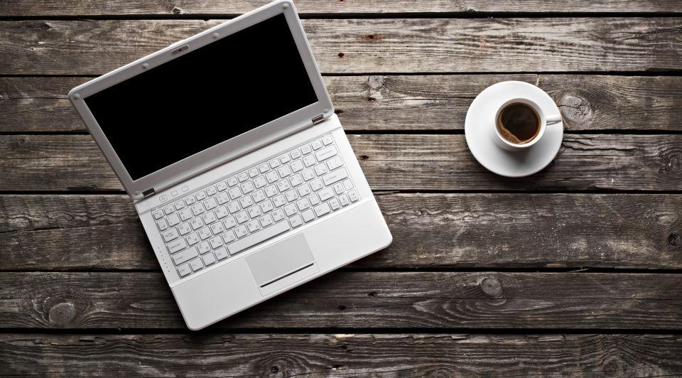 Laptop Werken Koffie Thinkstock