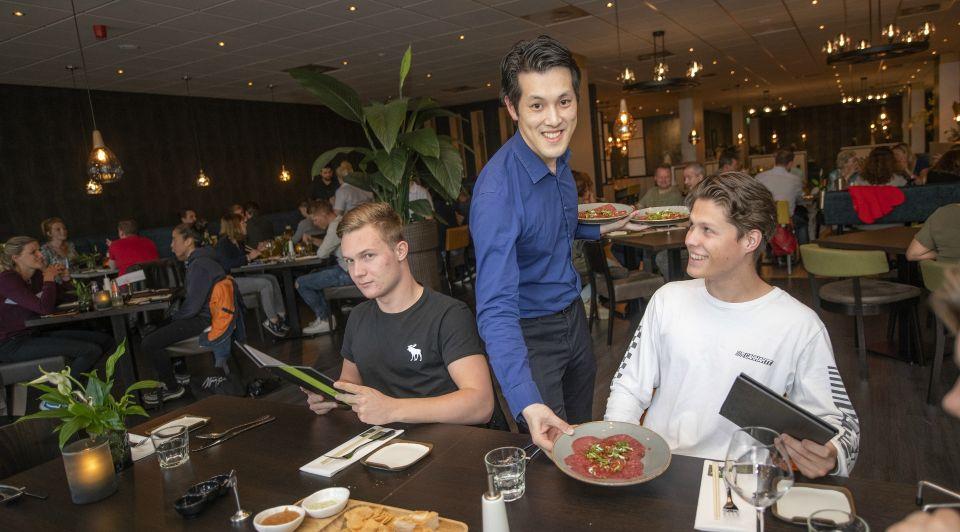 Le Garage Nieuwstraat Apeldoorn Zi Shun Chan restaurant Green Leaf Chinees Indisch traditioneel Zwolle