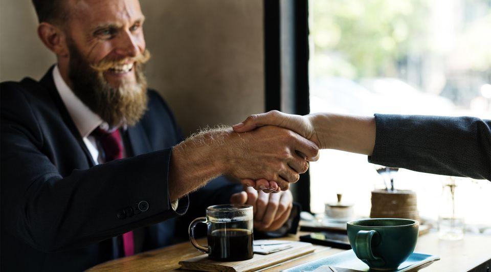 Stapelfinanciering combineer bancaire en alternatieve financiering