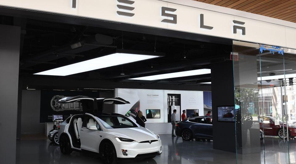 Tesla lancering