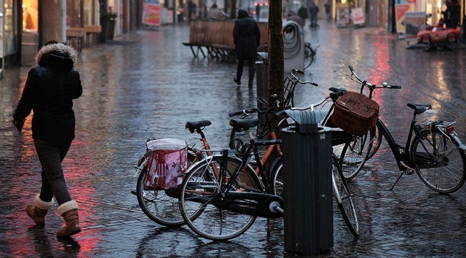Winkelstraat regen