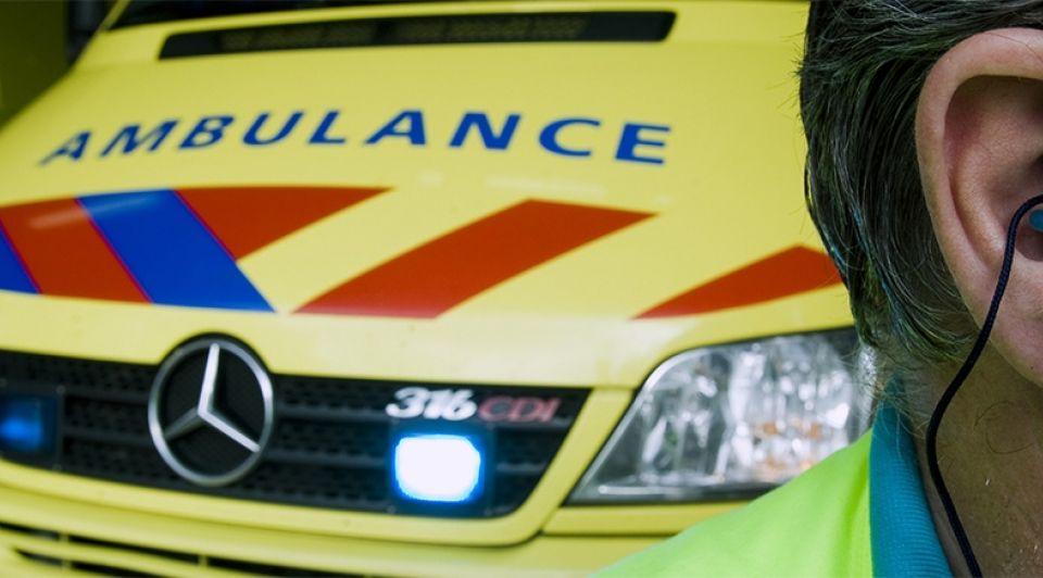 Ambulancereuselboomsteekmachineongeval