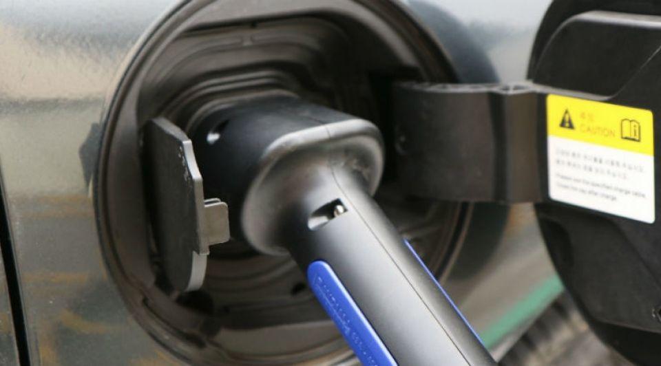 Electric cars elektrisch rijden opladen