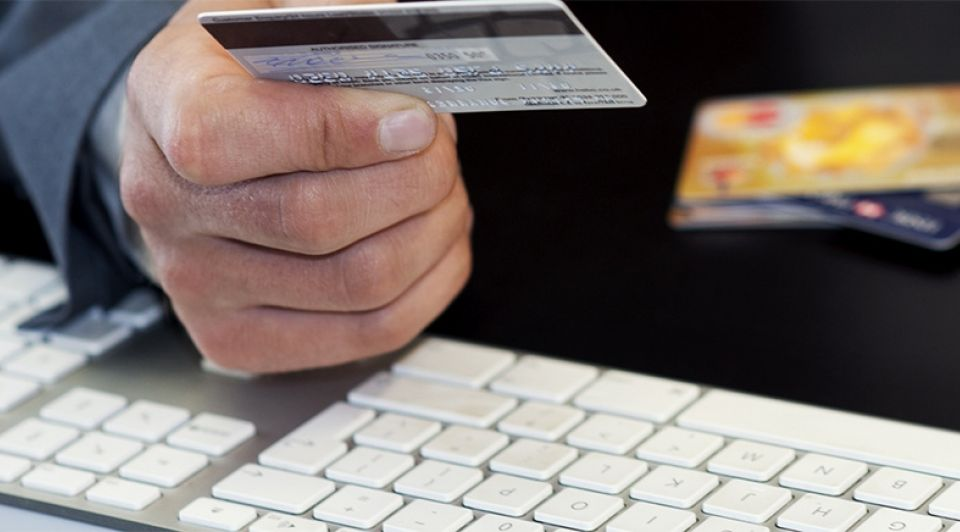 Fraude computer toetsenbord bankpas opgelicht