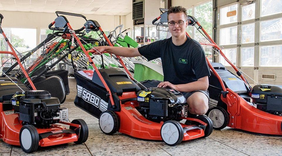 Grasmaaierverkoop jonge ondernemer wierden reggestraak lars smook