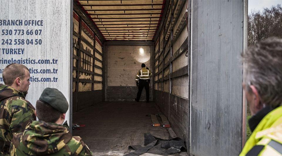 Grenscontrole grenscontroles transport transporteurs vrachtwagens transportbedrijf