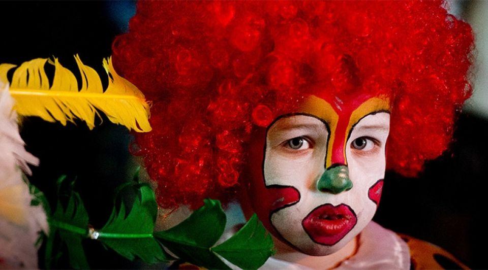 Kind carnaval sip clown