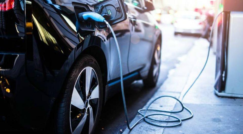 Let hier op elektrische auto occassion overstap aanschaf tesla