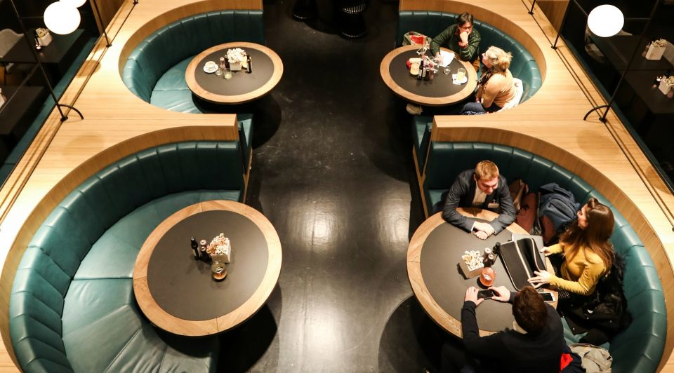 Lloyd hotel amsterdam rocco veenboer metamorfose grandeur janpaul scholtmeijer evert breman khl