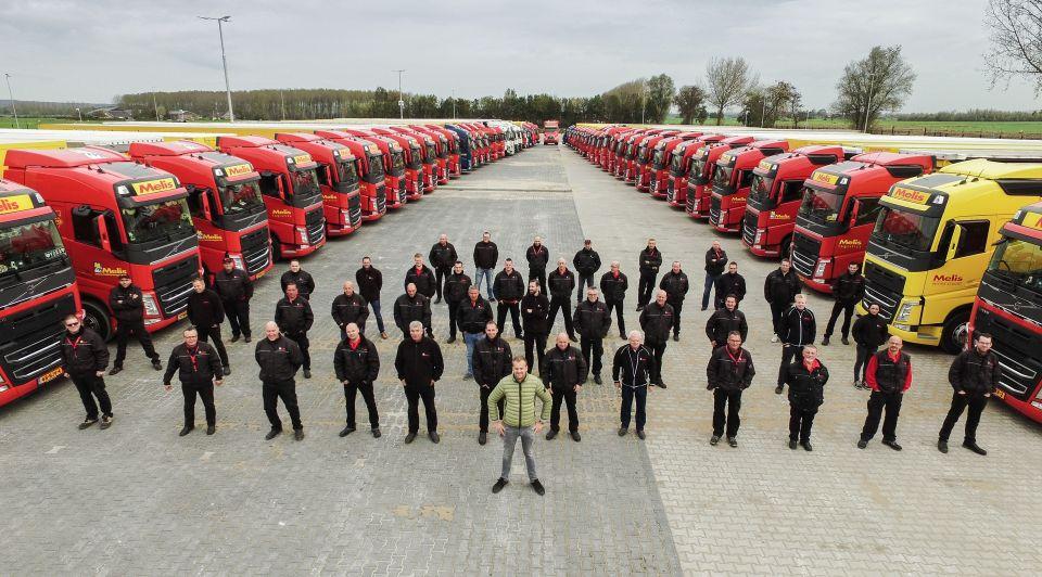 Melis logistics vrachtwagen vrachtwagens vrachtwagenbedrijf eigen opleiding vrachtwagenchauffeur chauffeurs bloeiende economie instructeur lesauto investering interne