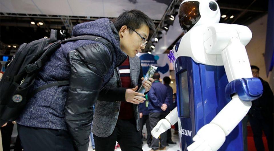Robotiseringwrrrobotarbeidsmarktbaanpolarisatie1065