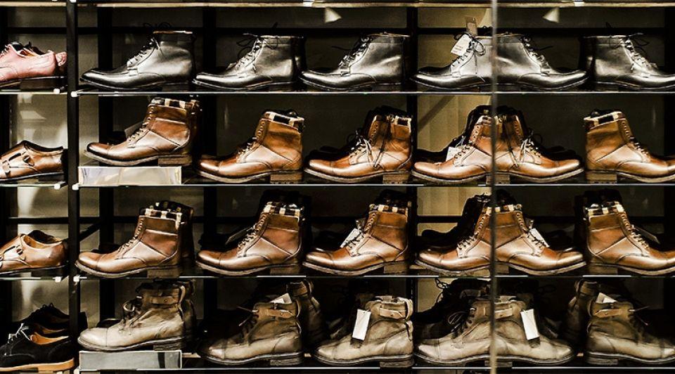Schoenen rek winkel