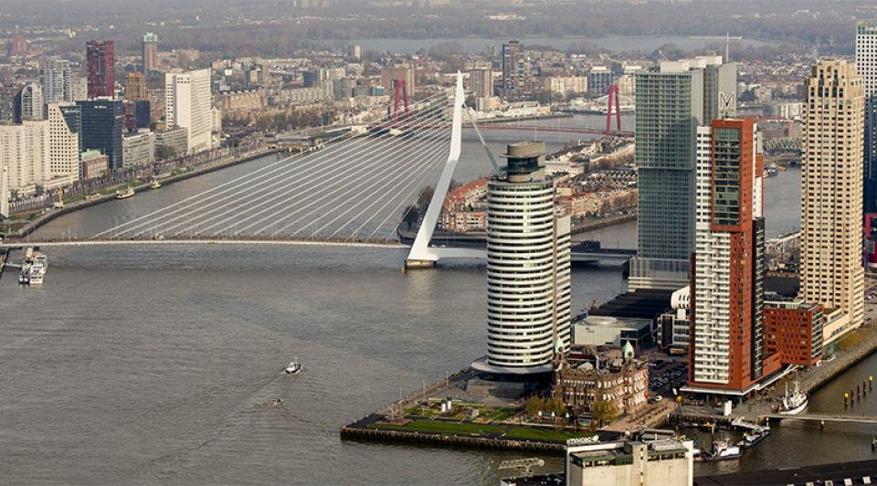Skyline rotterdam erasmusbrug willemsbrug montevideo maas hotel new york