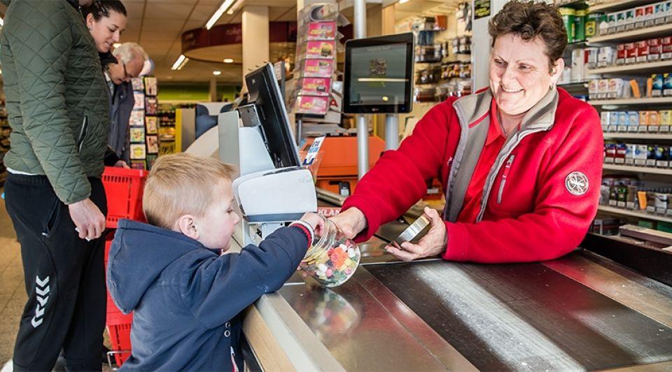 Spar kassa rilland supermarkt snoep snoepje zeeland