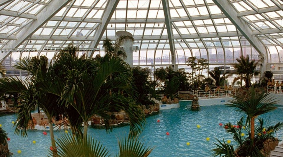 Tropicana subtropisch zwembad rotterdam maasboulevard zwemmen aloha bar