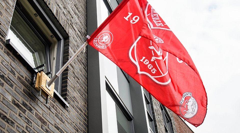 Vlag FC Twente Lars Smook