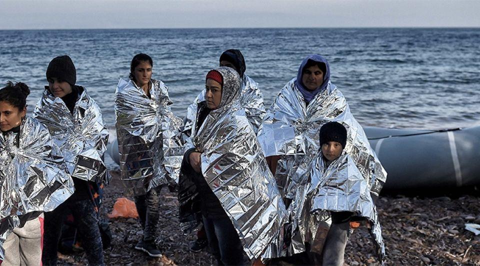Vluchtelingenboot1065