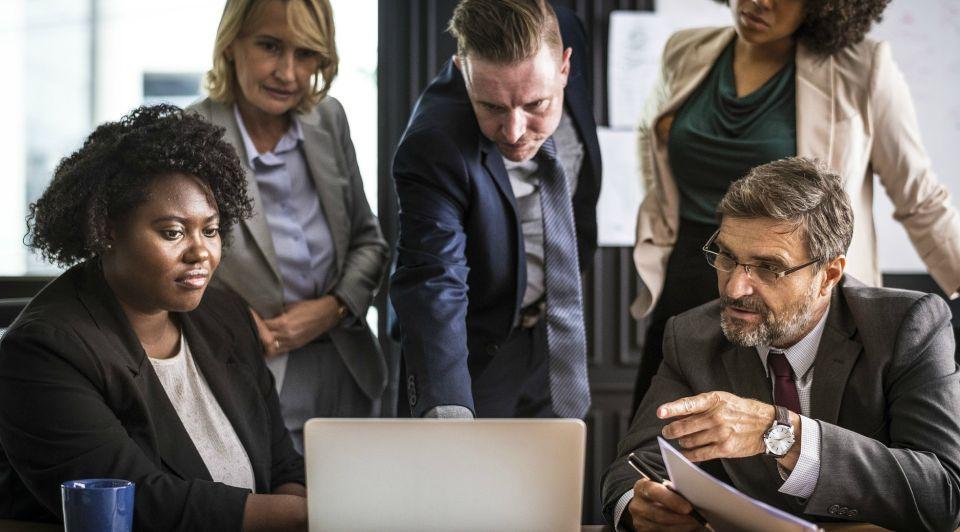 Zelfsturing ricardo semler werken zonder baas