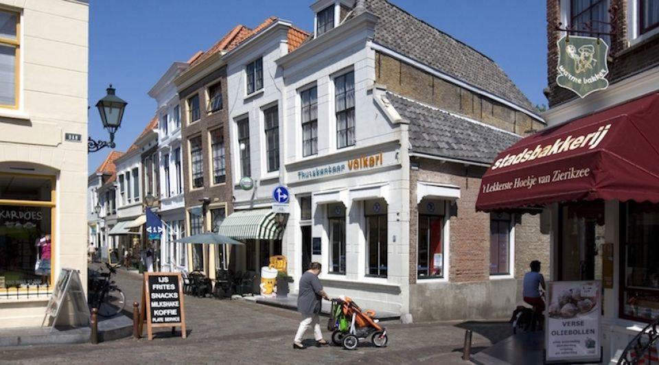 Zierikzee zeeland winkelstraat historisch centrum binnenstad