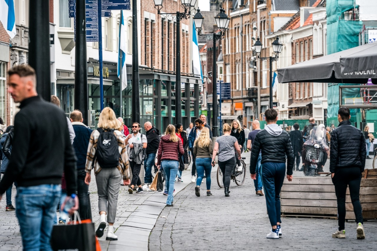 Winkeliers zijn blij dat winkelen op afspraak over ruim een week tot het verleden behoort.